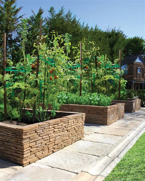 Bradstone Madoc Wall Used As A Raised Garden