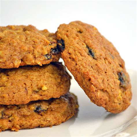 Combine oats, oat flour, cinnamon, baking soda and salt in a large bowl. The Best Sugar Free Oatmeal Cookies for Diabetics - Best Diet and Healthy Recipes Ever   Recipes ...