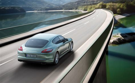 2018 Porsche Panamera Diesel Powered Officially Revealed