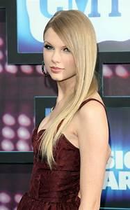 Wallpaper World: Taylor Swift Hot Pose  Taylor