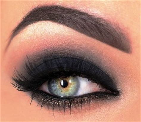 black eyeshadow   dash  glitter amazingmakeupscom