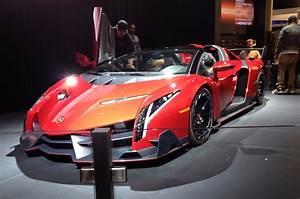 Lamborghini Veneno Roadster : lamborghini veneno roadster sports 750 watt monster audio system at ces motor trend wot ~ Maxctalentgroup.com Avis de Voitures