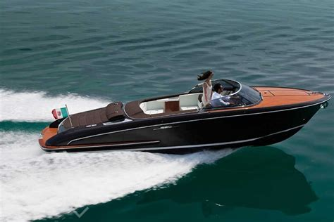 Small Yacht Boat For Sale by продажа Riva Iseo Arcon Yachts