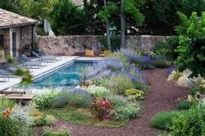 Jardins Secs Méditerranéens cour int 233 rieure avec jardin m 233 diterran 233 en et piscine