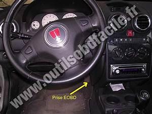 Obd2 Connector Location In Rover 25  1999-2005