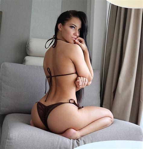 Stephanie Davis : bikinis