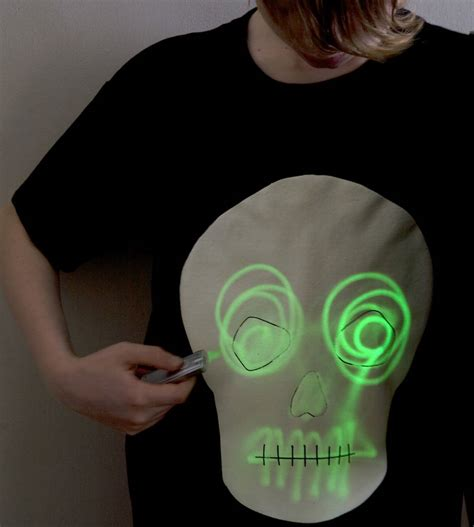 hi 5 bebelac glowing t shirt pink skull glow in the interactive t shirt by