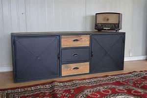 Meuble Acier Bois : meuble tv bas acier solutions pour la d coration int rieure de votre maison ~ Teatrodelosmanantiales.com Idées de Décoration