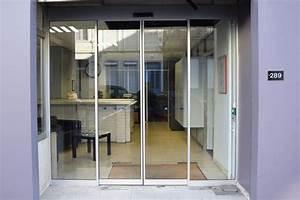 portes automatiques coulissantes en acier et verre smf With magasin porte d entrée