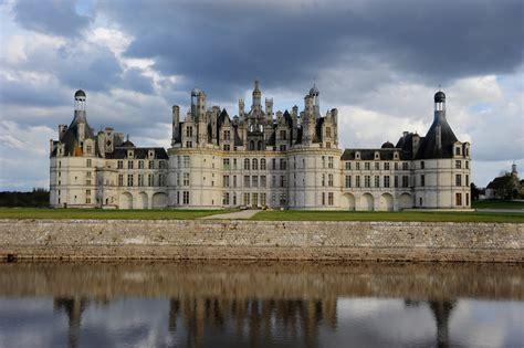 Escalier Magique Du Chateau De Chambord by File Vue D Ensemble Du Ch 226 Teau De Chambord Jpg Wikimedia
