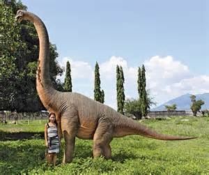 cool kitchen knives brachiosaurus dinosaur statue the green