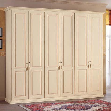 dipingere un armadio di legno armadio michelangelo armadi in legno