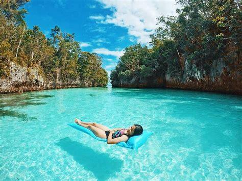 bak kepingan surga   pulau  maluku   perawan