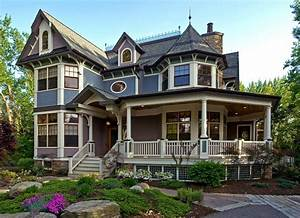 16 Beautiful Victorian House Designs