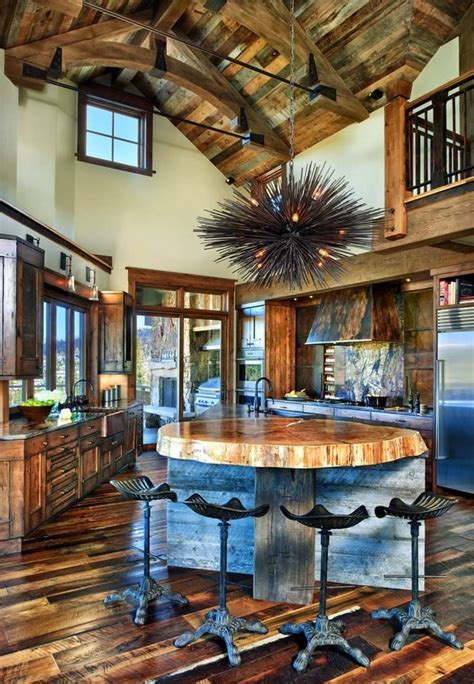 rustic ranch house  colorado opens   mountains
