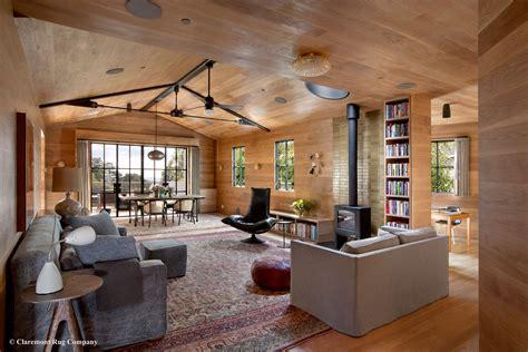 laver kirman antique rugs   modern living room