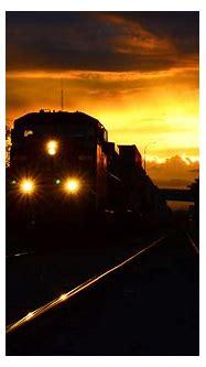 File:Night train.jpg - Wikimedia Commons