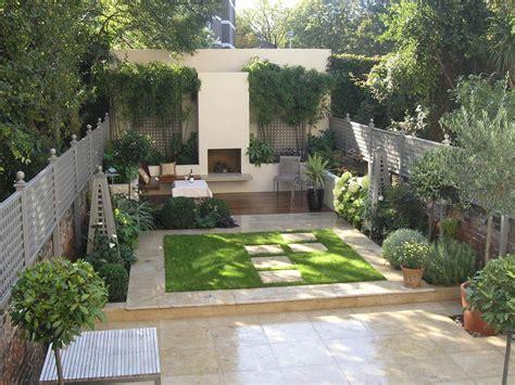 Compton Corner — Living Gardens