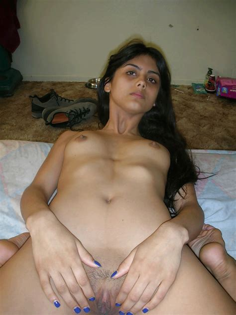 Skinny Indian Teen Shows Her Adorable Body Curves On Cam