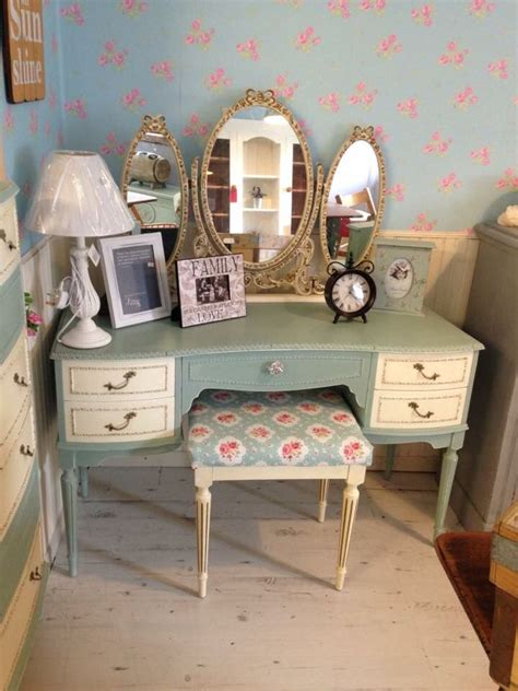 vintage dressing table painted  autentico chalk paint