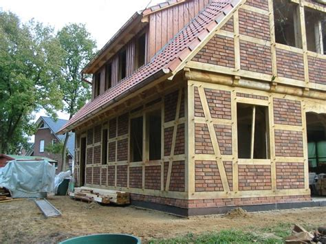 Fachwerkhaus Altbewaehrte Konstruktion by Fachwerkhaus Altbew 228 Hrte Konstruktion Bauen De