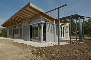 constructeur maison en paille maison moderne With maison bois et paille 14 les maisons aux comores