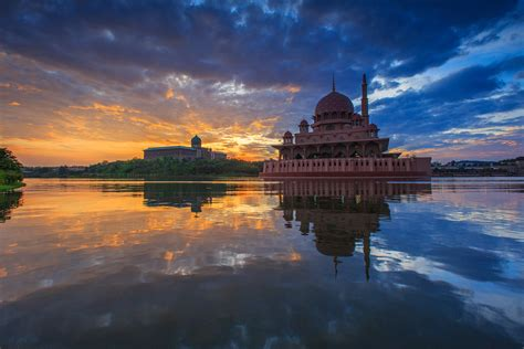 Background Mosque Wallpaper Hd by Putra Mosque 5k Retina Ultra Hd Wallpaper Background