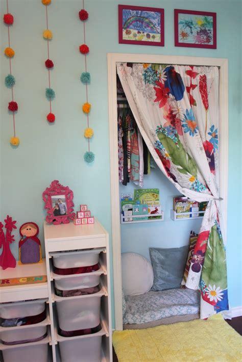 Eine Kuschel Und Leseecke Im Kinderzimmer Gestalten Und