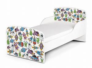 Kinderbett Matratze 140x70 : holzbett kinderbett jugendbett 140x70 cm mit matratze thema kosmos ~ Frokenaadalensverden.com Haus und Dekorationen