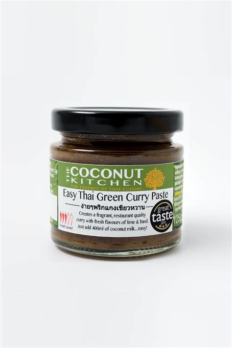 green curry paste thai kitchen easy thai green curry paste the coconut kitchen 6935