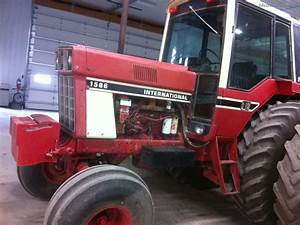 1981 International Harvester 1586 Tractors