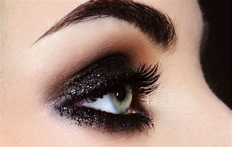 smokey eye makeup   great day  night  beauty