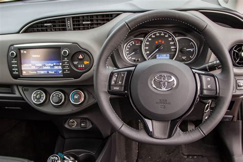 Toyota Yaris 1.5 Pulse (2017) Quick Review - Cars.co.za