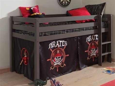 chambre pirate des caraibes lit pirate du choix et des prix avec le guide kibodio