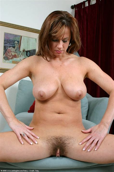 Milfy Maria Exposes Her Thick Hairy Natural Pussy Pichunter
