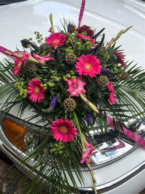 blumen motorhaube hochzeitsauto wedding car auto deko