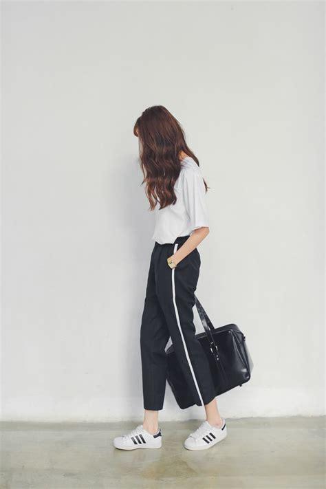 Black Loose Pants With White Stripe Shirt Adidas