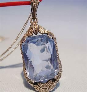 Pierres Précieuses Bleues : pendentif en argent antique avec pierres pr cieuses bleues ~ Nature-et-papiers.com Idées de Décoration