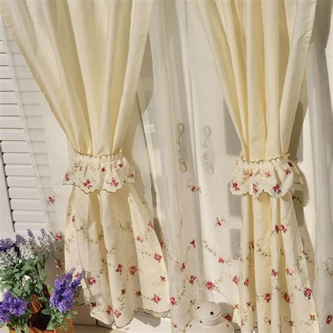 tiered curtain