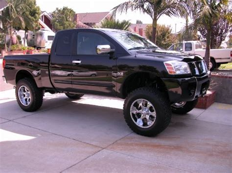 pictures  lifted trucks nissan titan forum