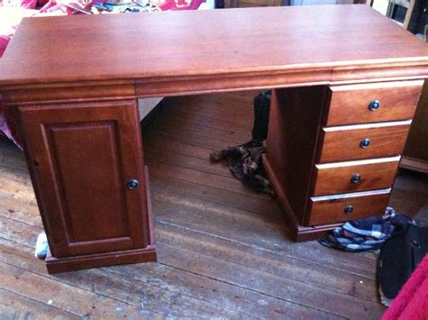 bureau style york bureau style louis philippe à donner à proche chateaudun