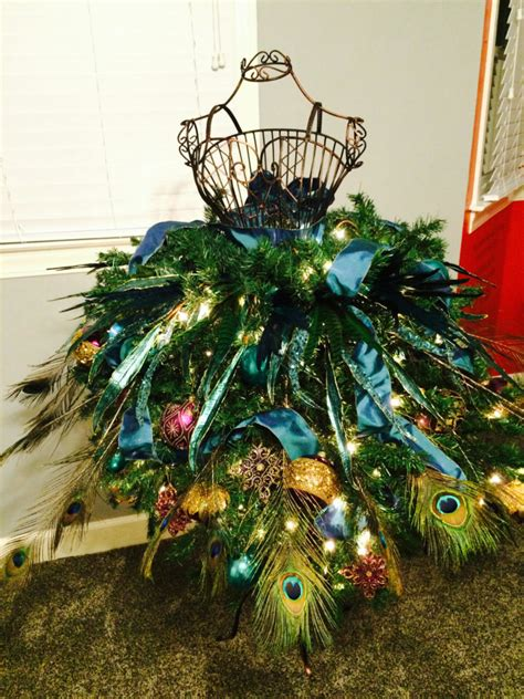 Diy Dress Form Christmas Trees For The Beginning Crafter
