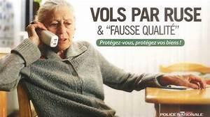 Faux Code Carte Bancaire : rouen les faux policiers se font remettre la carte bancaire de leur victime de 68 ans ~ Medecine-chirurgie-esthetiques.com Avis de Voitures