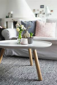 Couch Skandinavisches Design : ein runder tisch f r jeden raum ~ Michelbontemps.com Haus und Dekorationen