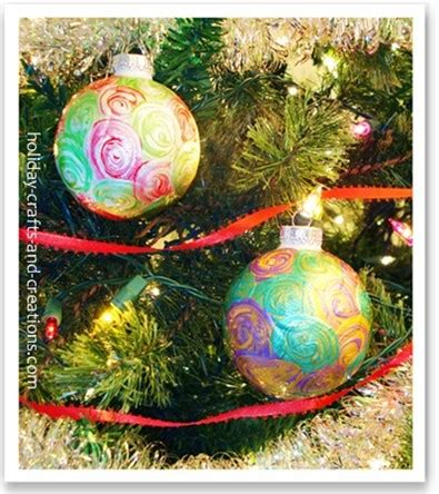 easy   christmas ornaments painted swirl ornament