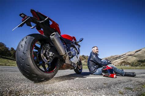 michelin si鑒e social michelin power rs lo stradale destinato ai motociclisti più sportivi ed esigenti