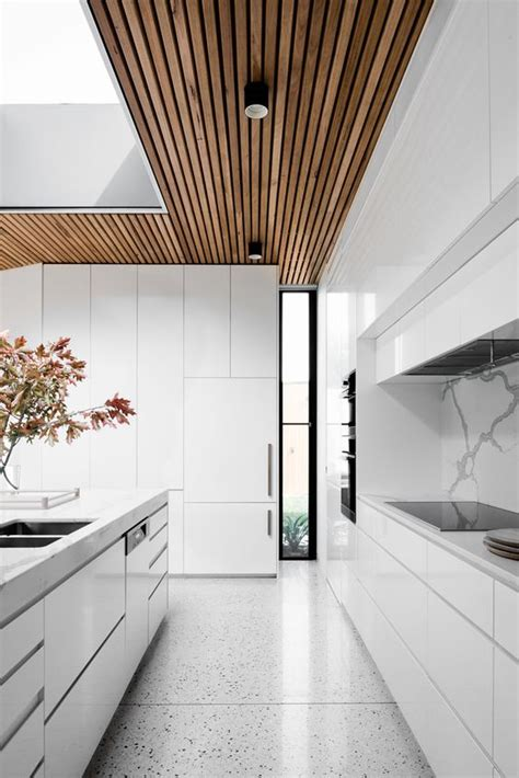 eye catchy wooden ceiling ideas   digsdigs