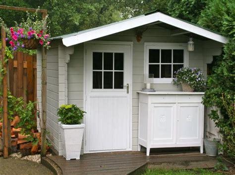 peindre  abri de jardin blog colora poulailler