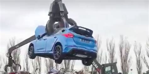 horror   brand  focus rs  destroyed