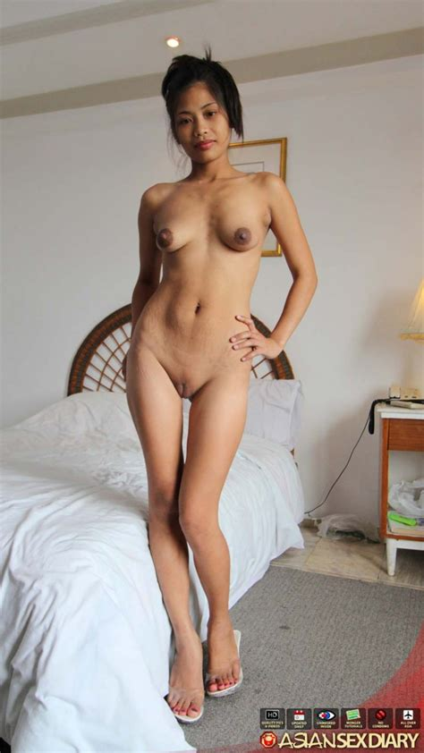 Skinny Filipina Milf Shows Off Her Bits Pichunter